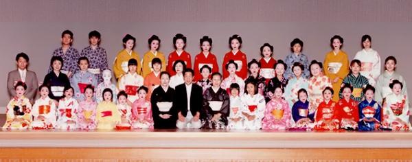 東京都の日本舞踊教室|藤間綾由貴 綾扇会